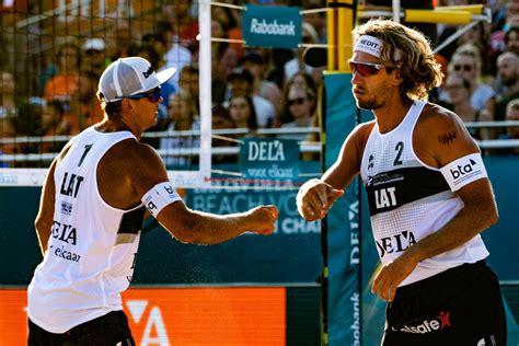 Šmēdiņš un Samoilovs ar uzvaru sāk EČ pludmales volejbolā ...