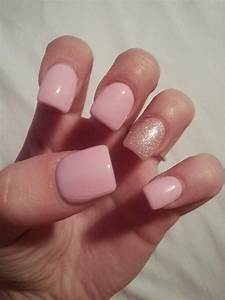 Light pink nails with silver/pink glitter in ring finger ...