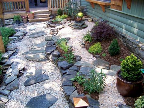 Gartengestaltung Im Japanischen Und Country-stil