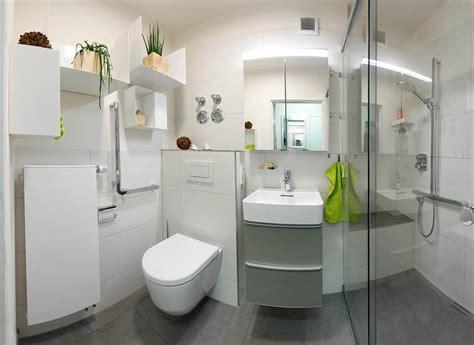 Kleines Bad Fliesengröße by Kleines Bad Mit Viel Komfort