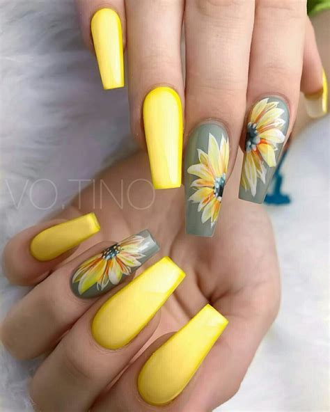 spring flowers nail art design spring nails