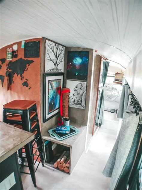 family bought  school bus  turned   stunning mobile home   mobile home