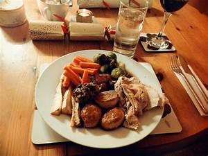 Julie Pennell : A Traditional Christmas Dinner... England ...