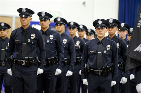police academy graduates   lapd officers daily news