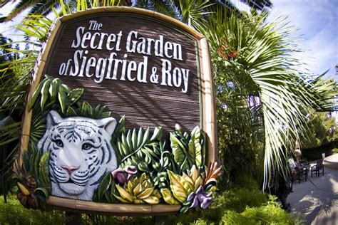 siegfried and roy secret garden siegfried roy s secret garden and dolphin habitat las