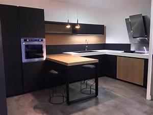 Ordinaire cuisine equipee pour petit espace 13 cuisine for Petite cuisine équipée avec meuble colonne salle a manger