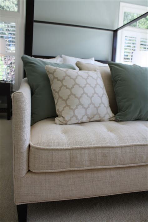 End Of Bed Loveseat by End Of Bed Sofa Home Decor Ideas