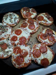 Pizza Bagel Lunch