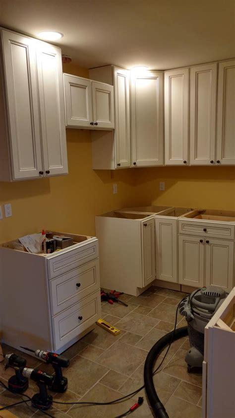 Cambridge White Kitchen Cabinets   RTA Cabinet Store