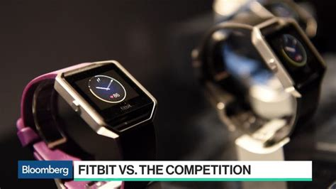 fitbit s smartwatch hits more hurdles ahead of launch this fall fitbit s smartwatch project hits more hurdles ahead of debut bloomberg