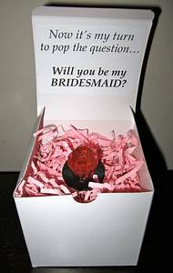Will you be my bridesmaid how to pop the question for Cute ideas for asking bridesmaids to be in your wedding