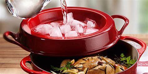 cuisiner avec une cocotte en fonte poulet en cocotte en fonte la recette