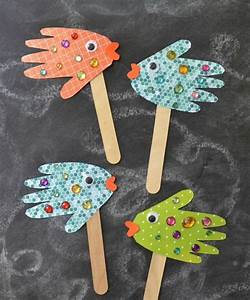 Sommer Basteln Kinder : basteln mit 2j hrigen kindern handabdr cke papier fische sommer mit kindern basteln basteln ~ Orissabook.com Haus und Dekorationen