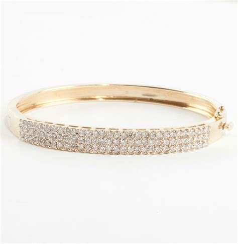 Ladies Stunning 14k Yellow Gold Round Cut Diamond Bangle. Daisy Wedding Rings. Resin Bangles. Clear Diamond. 14k Gold Chains. Ring Earrings. Unicorn Necklace. Moon Dust Pendant. Yellow Gold Anklet