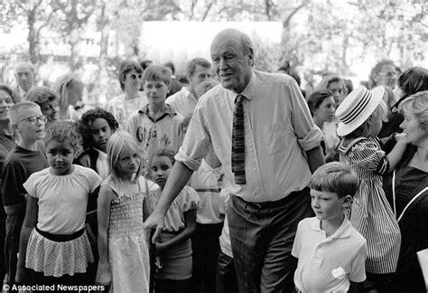 Tessa Dahl Roald Dahl's Daughter On Life With Her Father