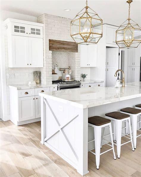 White Kitchen Gold Eye by Best 25 Wood Stove Surround Ideas On Pellet