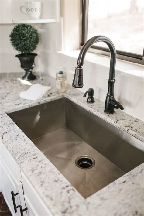 best undermount kitchen sinks best 25 undermount kitchen sink ideas on pinterest