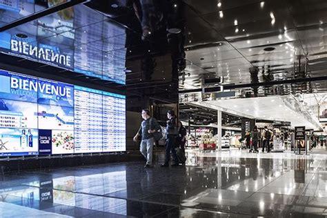 bureau de change a oport de montr l il y a du changement à l 39 aéroport de montréal