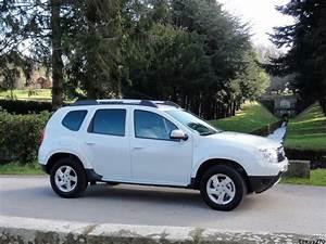 Prix D Une Dacia : dacia duster elu 4x4 de l 39 ann e 2011 vid o blog automobile ~ Gottalentnigeria.com Avis de Voitures