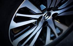 Renault Captur Initiale Paris Finitions Disponibles : le nouveau captur tce 150 de renault indique d j ses prix l 39 automobile magazine ~ Medecine-chirurgie-esthetiques.com Avis de Voitures