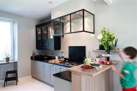 cuisine cellier cellier gris chaud verrière hotte fabricant cuisine style