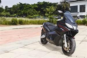 Scooter Aprilia 850 : bad motor scooter aprilia srv 850 bike india ~ Medecine-chirurgie-esthetiques.com Avis de Voitures