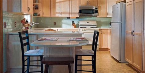 Kitchen With Both Peninsula And Island by Kitchen Peninsula With Seating On Both Sides Wow