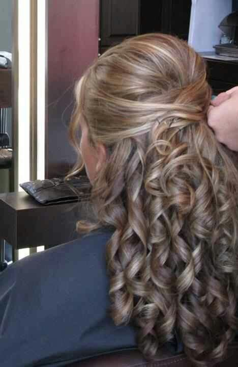 gorgeous half up half down wedding hairstyles for your big day ohmychow