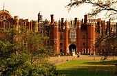 Hampton Court Palace, home of Henry VIII and sight of ...