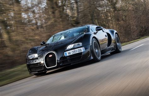 The result is the bugatti veyron 1945, a dramatic new vision of the world's fastest car, with more than a little hint of that cheeky beetle charm. Bugatti Veyron Legends - The Modern-Day Hyper Sports Car