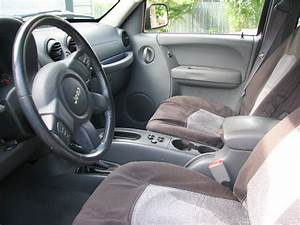 2006 Jeep Liberty - Interior Pictures