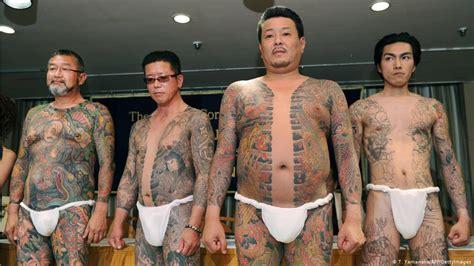 japans police braces  gang violence  yakuza split