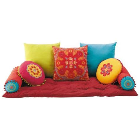 canapé au sol espace détente pour chambre de fille ado matelas