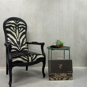 Fauteuil Voltaire Moderne : voltaire fauteuil moderne cool voltaire fauteuil moderne und chaise design pour deco chambre ~ Teatrodelosmanantiales.com Idées de Décoration