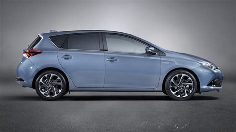 Toyota Auris Hybrid (2015) Wallpapers And Hd Images