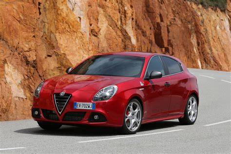 alfa romeo giulietta  review prices  specs evo