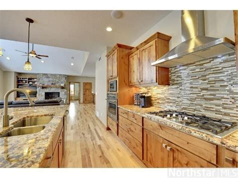 kitchen floor ideas pictures 15 best hickory cabinets images on diy 4781