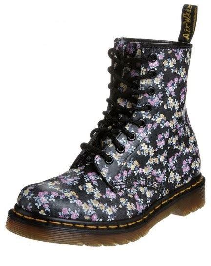 dottor martens basse fiori dottor martens scarpe tutte le offerte cascare a fagiolo