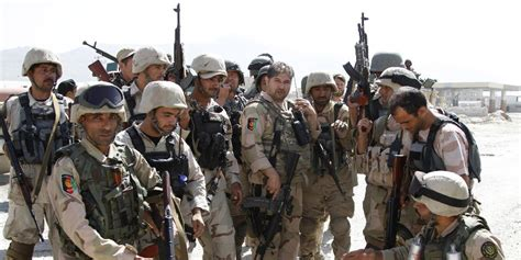 An bord waren berichten zufolge 42 männer. Anschlag in Kabul: Sieben Tote bei Angriff auf Flughafen ...