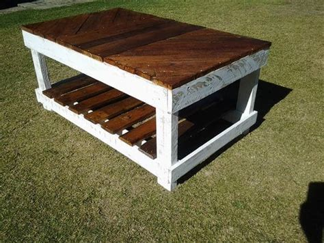 coffee table made out of pallet wood diy coffee table out of pallet wood 99 pallets