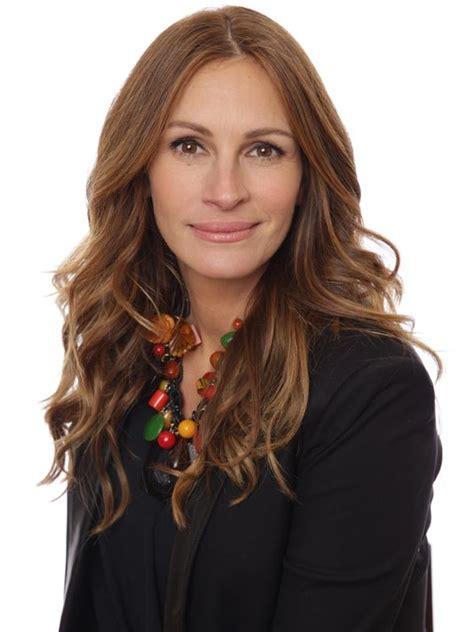 julia roberts actress linkedin a happy balance fuels julia roberts career life
