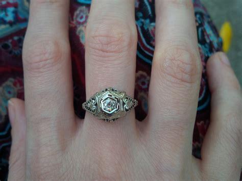 rings middle finger