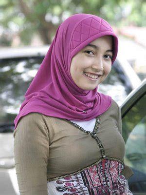 Video panas hijab memang menjadi daya tarik tersendiri guys, karena cewek hijab itu bikin penasaranapalagi jika ceweknya masih polos dan cantik kayak video jilbab terbaru ini uh biki penasaran dalemnyadan setelah lihat dalemnya. Cewek Cantik Jilbab   Party Join Us