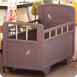 Lit Bébé Vintage : meubles vintage lits chevets lit b b en bois ann es 50 fabuleuse factory ~ Dode.kayakingforconservation.com Idées de Décoration