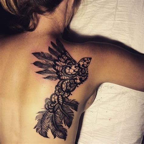 tatouage dentelle dos tatouage dentelle la tendance qui se brode sur la peau