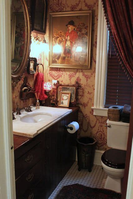 english country powder room love