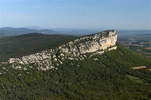 La Poste St Loup : photo pic saint loup h rault falaises de l 39 hortus vues ~ Dailycaller-alerts.com Idées de Décoration