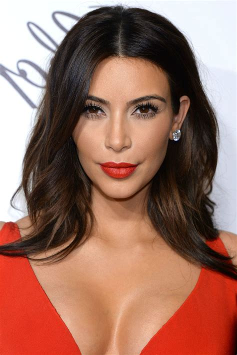2020 Latest Wavy Side Part Hairstyles