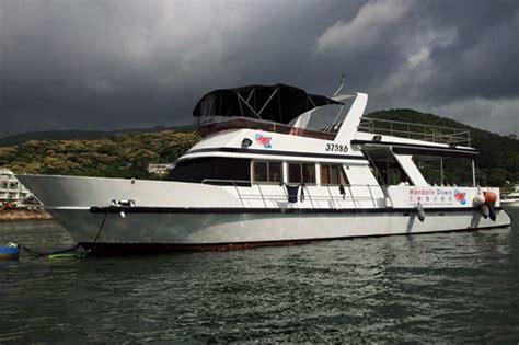 Hong Kong Junk Boat Dinner Cruise by Junk Boat Cruises Mandarin Divers