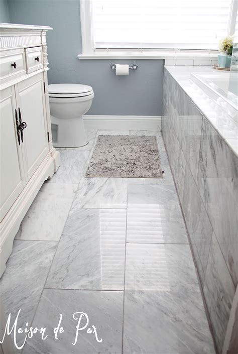 Floor Tile Ideas For Small Bathrooms by Gorgeous White And Gray Marble Bathroom Luxurious